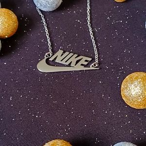Trendy Nike necklace (silver)